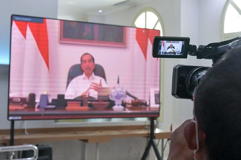 https: img-k.okeinfo.net content 2020 03 30 320 2191108 presiden-jokowi-sebut-pemudik-merupakan-pekerja-informal-di-jabodetabek-GNBS5Vyu5l.jpg