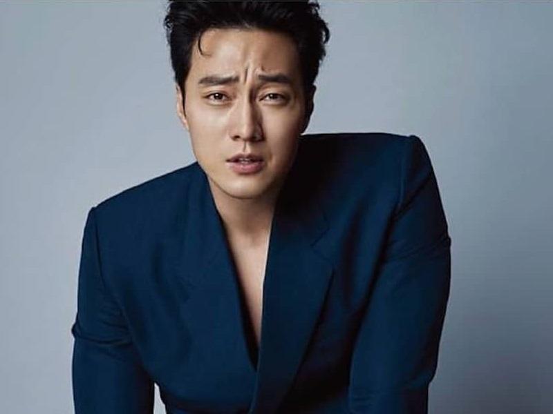 5 Gaya Formal So Ji Sub, Aktor Ganteng Korea yang Baru ...
