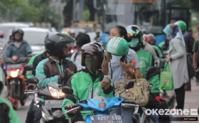 Hari Ayah Sedunia, Driver Ojol Tetap Selesaikan Orderan Meski Motornya Dicuri