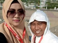Cerita Unik di Tanah Suci, Narji dan Istri  Nyeker  dari Masjid Nabawi hingga Hotel