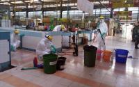 Masyarakat Antusias Lihat Pembasmian Wabah Flu Burung di Lapak-Lapak Penjual Ayam