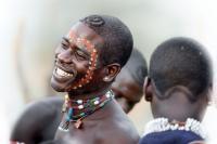 Alamak!! Pria dari Suku Ethiopia Ini Boleh Menikah Sebanyak yang Ia Mau