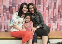 Doa dan Harapan Zaskia Gotik Bersama Ayu Ting Ting untuk MNCTV