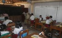 Waduh! Tergusur Proyek Bandara, Siswa SDN 3 Glagah Terpaksa Belajar di Rumah Warga