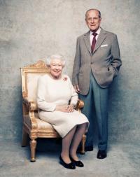 Rayakan Ultah Pernikahan ke-70, Ratu Elizabeth II Pakai Bross Pemberian Pangeran Philip 51 Tahun Lalu