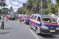 Pendapatan Menurun Gara-Gara Transportasi <i>Online</i>, Sopir Angkot di Pematangsiantar Mogok
