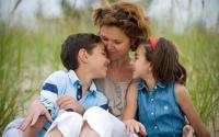 Kasih Sayang Orangtua Dapat Memberikan Stimulasi untuk Tumbuh Kembang Anak
