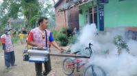 Bahu-membahu, DPD Partai Perindo Pemalang <i>Fogging</i> Ratusan Rumah Warga
