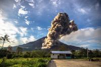 Gunung Agung Meletus, Tiga Ambulans Perindo Disiagakan