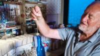 Hobi Unik Pria Belanda, Koleksi 1.200 Botol Berisi Surat