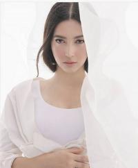 Nabila Syakieb Pamer Foto Kehamilan dengan Busana Serba Putih, Netizen: Cantiknya Seperti Bidadari