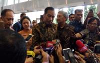 Blusukan ke Mal Malam-malam, Jokowi Pantau Perekonomian hingga Temani Cucu Main