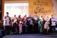 Guru Inspiratif Jawa Barat Terima Een Sukaesih Award 2017