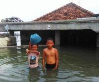 Sungai Kamoning Meluap, 7 Desa Terendam Banjir di Sampang