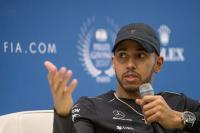 Hamilton Harapkan McLaren Tampil Kompetitif Musim Depan