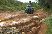 Tambang Galian C Ditutup, Proyek Jalan Desa pun Jadi Kubangan