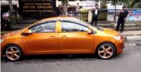 Netizen Kritik Mobil Bermuka Dua yang Mengaspal di Bandung