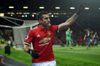 Mkhitaryan Minta Arsenal Berikan Gaji yang Sama seperti Sanchez