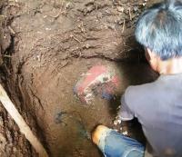 Polisi Periksa Kejiwaan Suami yang Kubur Istrinya di Kebun Bambu