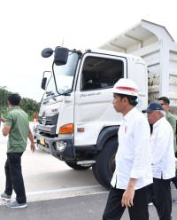 Selain Resmikan Tol Bakauheni, Presiden Jokowi Tinjau Program Padat Karya Tunai di Lampung Selatan