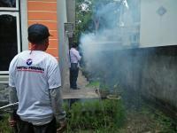 Ditelefon Warga, Rescue Perindo Sumsel Sigap <i>Fogging</i> Basmi Nyamuk DBD