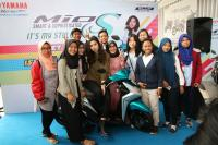 Ratusan Isyanation Antusias Temui Isyana di Meet & Greet Roadshow Concert Surabaya