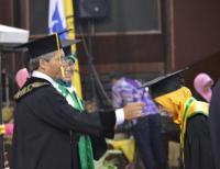 Sempat Gamang dengan Biaya Kuliah, Kesy Berhasil Lulusan Kedokteran dengan IPK 3,8