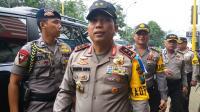 Kapolda Jatim Jenguk KH Hakam Mubarok Pasca-Penyerangan