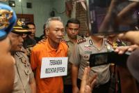 Jalani 62 Reka Adegan, Pembunuh Satu Keluarga di Tangerang Menangis