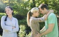 Ketahui Ciri-Ciri Pelakor Ini agar Pasangan Tak Terjerat Tipu Muslihatnya