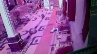 Aksi Pelaku Rampas Handphone Pengunjung Kota Lama Semarang Terekam CCTV