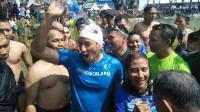 Menteri Susi Lunasi Janjinya Untuk Menang Lawan Sandi di Festival Danau Sunter