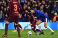 Messi Ingin Barcelona Boyong Marcos Alonso