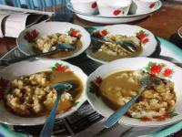 Tradisi Malam Makan Ketan Suku Lembak Bengkulu Sebelum Resepsi Pernikahan