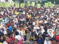 Ribuan Orang Banjiri Kampanye Akbar Pasangan