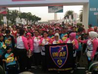Ibu Negara Lepas Peserta Lomba Lari Kartini Run di Silang Monas