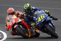 Rossi-Marquez Buang Muka saat Saling Bertemu