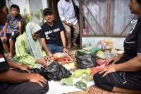 Kartini dari Ciamis, Kegigihan Mak Oom Menolak <i>Ngemis</i>