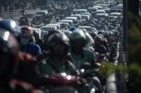 Bikin Macet, Sandiaga Akan Evaluasi Rekayasa Lalin di Tugu Proklamasi
