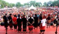 Ribuan Warga Denpasar Kampanye Cagub Bali Koster