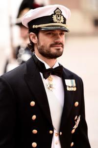 Tak Kalah Ganteng dengan Pangeran Harry, Ini Sosok Pangeran Carl dari Swedia