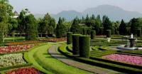 5 Destinasi Wisata Bertema Taman Bunga yang Menarik untuk Dikunjungi