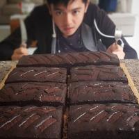 Jago Masak, Nicky Tirta Terjun Langsung dalam Bisnis Kue Onlinenya