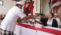 Bupati Tabanan Hadiri Upacara Balai Gong Banjar Teges Diplaspas