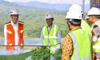 Tinjau Bendungan Kuningan, Jokowi: Kita Harap Bisa Mengairi 3 Ribu Hektare Sawah
