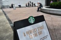 Akibat Kasus Tak Boleh Numpang Toilet, Kini Starbucks Ijinkan Pelanggan Nongkrong Tanpa Harus Beli Minuman