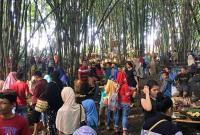 Kebun Bambu Tempat Pembuangan Sampah Ini Disulap Jadi Wisata yang Sajikan 144 Jenis Jajanan