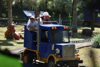 Isi Libur Lebaran, Jokowi Ajak Cucu Main di Tempat Rekreasi Bogor