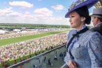 Hadiri Royal Ascot, Maia Estianty Tampil Elegan bak Wanita Bangsawan Inggris