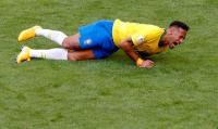 Neymar Tak Marah Aksi Diving-nya Jadi Bahan Lelucon